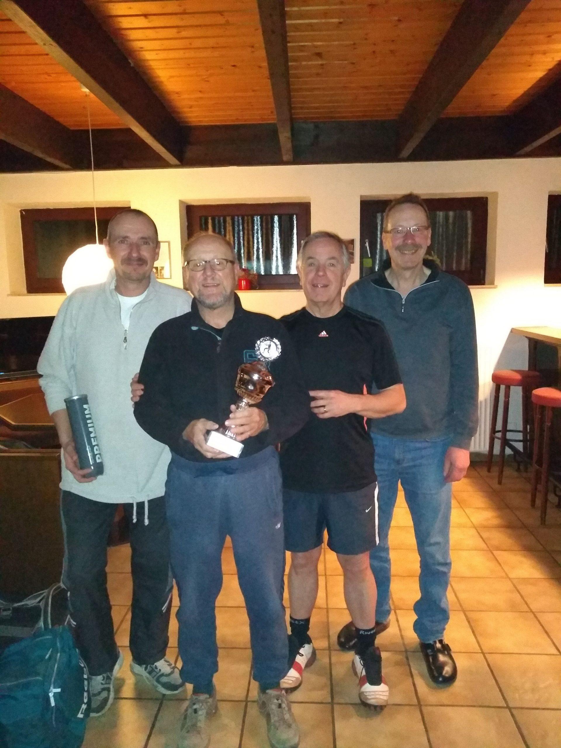 v. L. n. R. II.Platzierten Thomas Schewczuk,die Sieger Paul Semrau und Günter Thiel, sowie den II.Patzierten Norbert Mier, Es fehlt der III. Platzierte Wolfgang Ungerer.